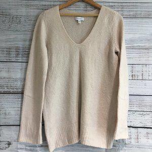 Calvin Klein pink V neck Sweater size Med - N-18